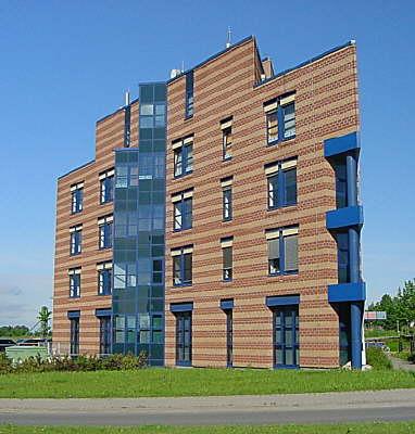 Isenberg architekten flughafen erfurt b rozentrum zwei buerogebaeude bgf qm bri 27 - Bgf architekten ...